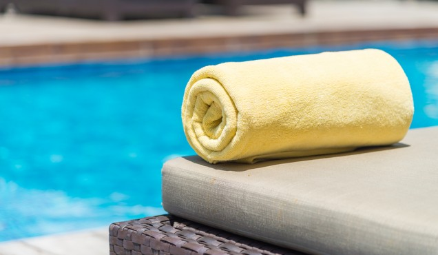 toalhas de piscina em hoteis - simply life.jpg