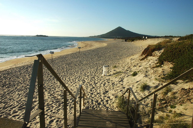 praia de moledo.JPG