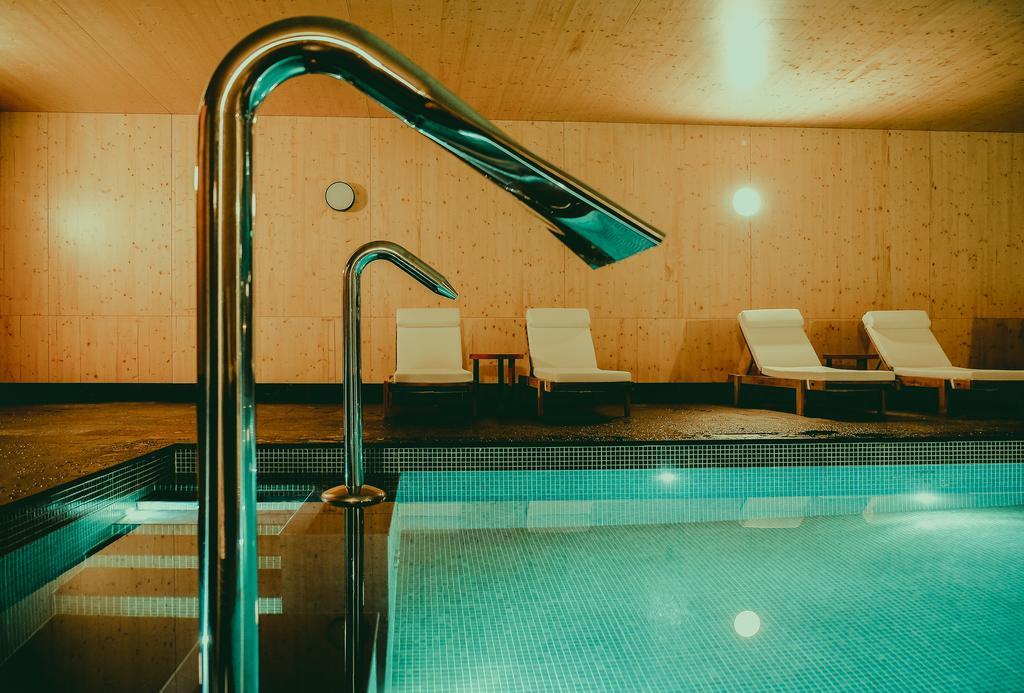 piscina feelviana booking