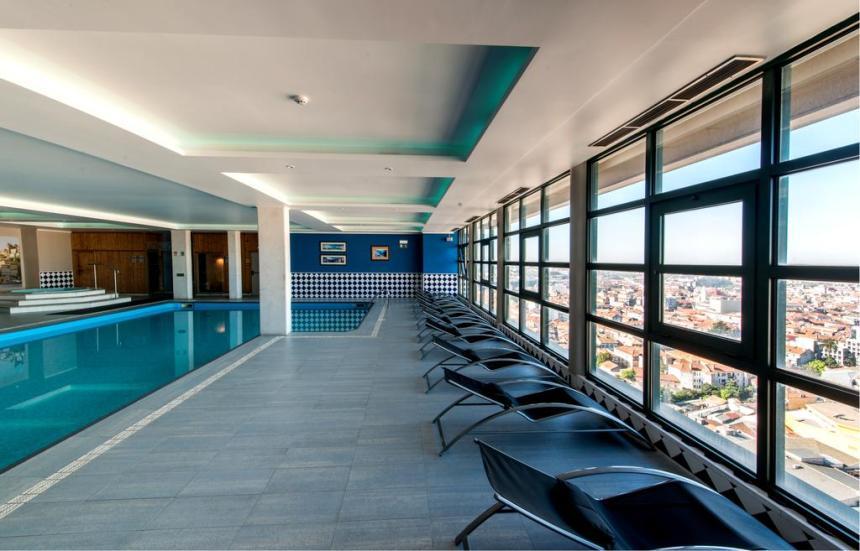 vila gale piscina booking
