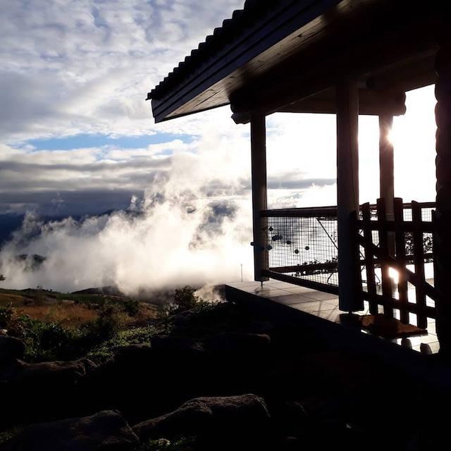 Mountain Log Cabin in the mist Monte de Burras blog